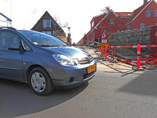 Det er meningen, at cykelstien fortsætter fra Nørresand til Løkkegade. Her skal cykelisterne passerer den stærkt sommertrafikeret Nørresand. Foto©JørgenKoefoed.